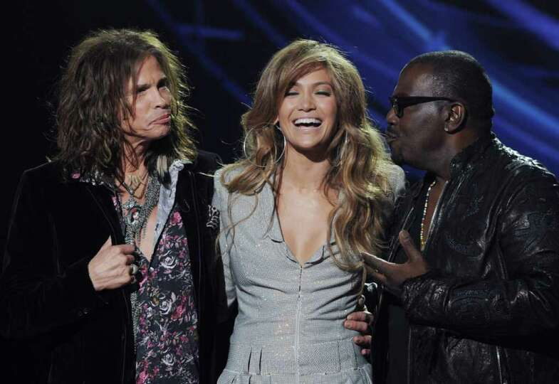 INGLEWOOD, CA - SEPTEMBER 22:  (L-R) Singers Steven Tyler, Jennifer Lopez and musician Randy Jackson