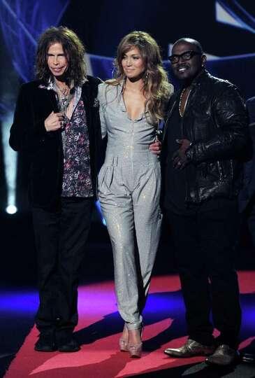 INGLEWOOD, CA - SEPTEMBER 22:  (L-R) Singers Steven Tyler, Jennifer Lopez and musician Randy Jackson