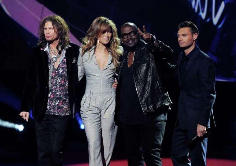 INGLEWOOD, CA - SEPTEMBER 22:  (L-R) Singers Steven Tyler, Jennifer Lopez,  musician Randy Jackson a
