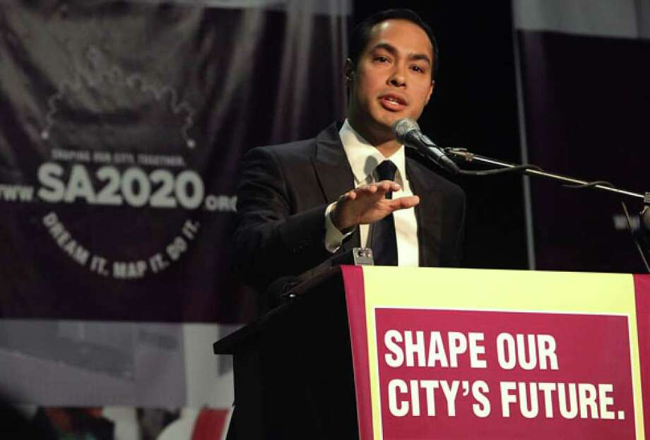 Mayor Julian Castro joined by civic and business leaders as well as about 1,000 citizens gathered to kick off SA 2020 at Tri Point to discuss the future of San Antonio on Saturday.