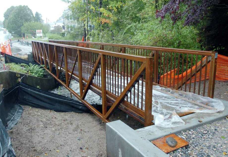 New Fairfield has just installed a new footbridge over Ball Pond Brook. Image made Oct. 1, 2010. Photo: Chris Ware / The News-Times