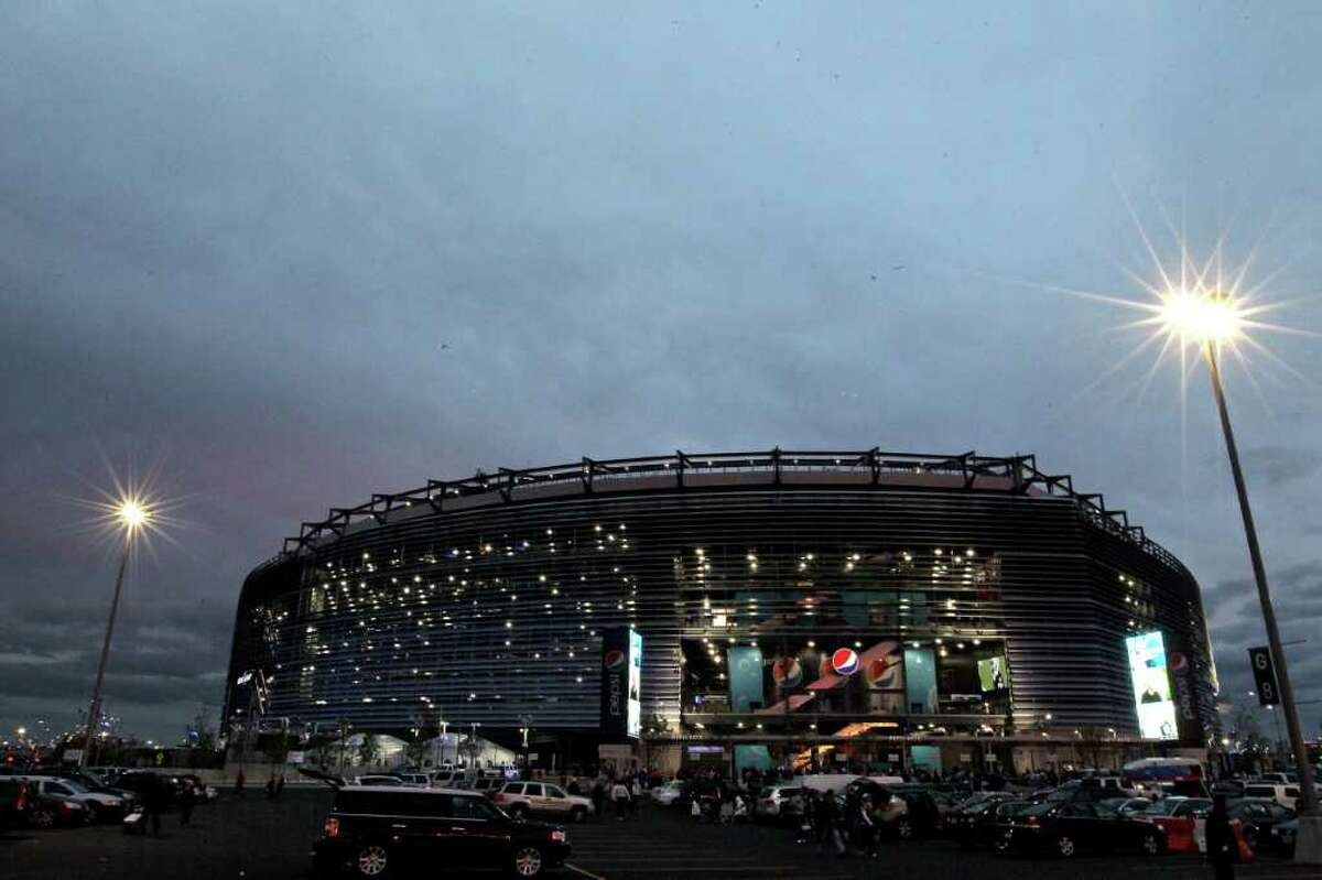 EAST RUTHERFORD, NJ - OCTOBER 03: New Meadowlands Stadium is seen before a game between the Chicago Bears and the New York Giants on October 3, 2010 in East Rutherford, New Jersey. (Photo by Chris McGrath/Getty Images)