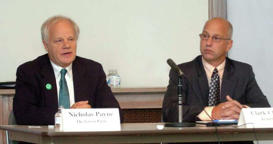 Nicholas Payne of the Green Party, left, and Clark Chapin, Republican, debate issues at the New Milford Library, Oct. 6, 2010. Photo: Chris Ware / The News-Times