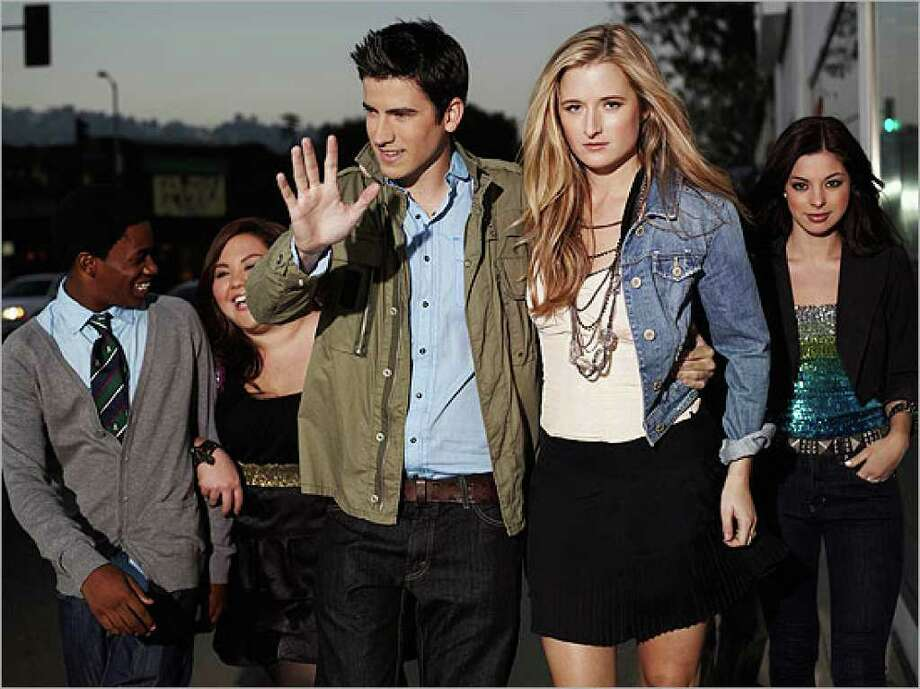 "Finn (Malcolm David Kelley, from left), Piper (Jolene Purdy), Joey (Ryan Rottman), Anna (Grace Gummer) and Vanessa (Gia Mantegna) are Hollywood kids in ""Gigantic"" on Teen Nick."
