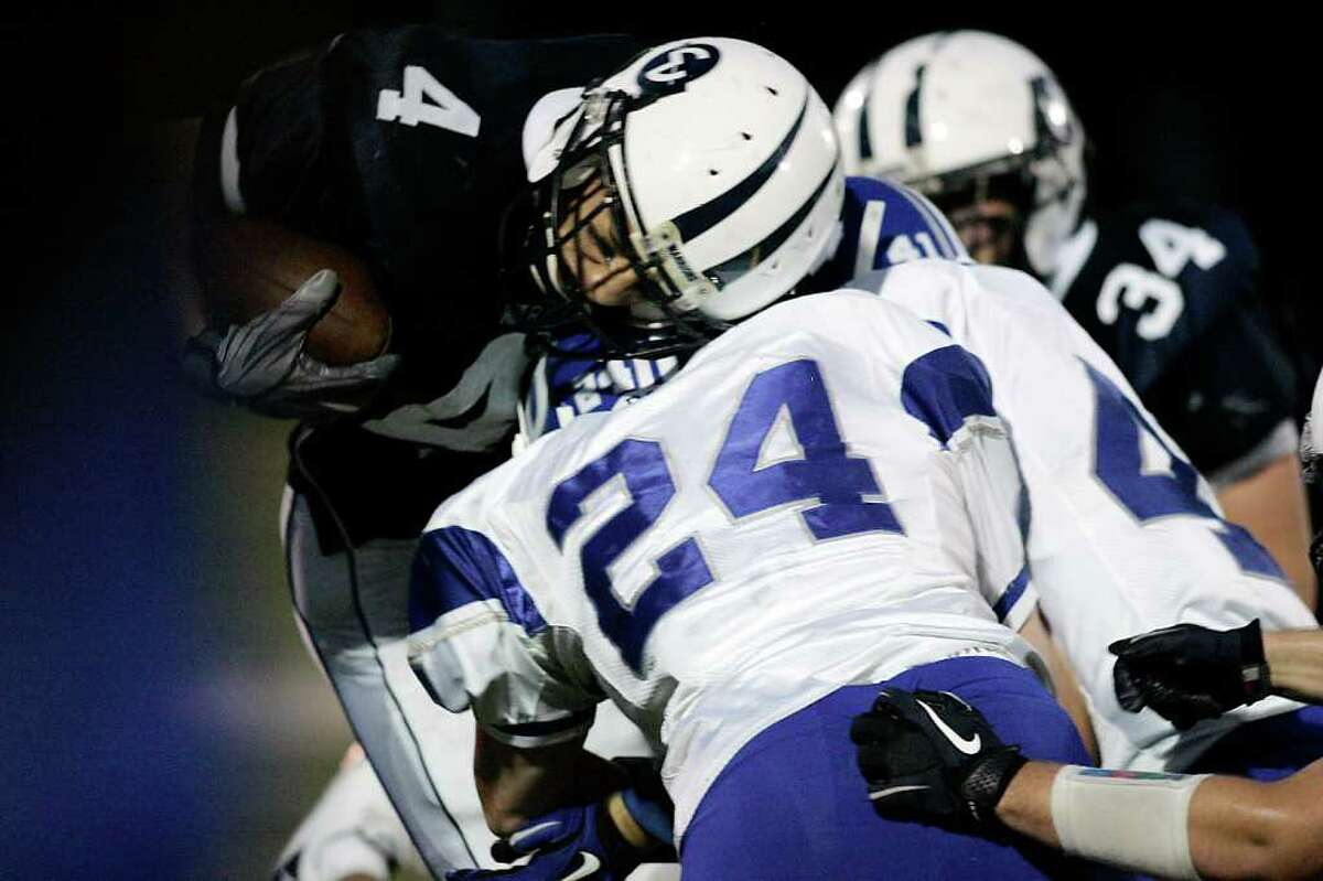 Darien vs. Wilton High School football. © J. Gregory Raymond