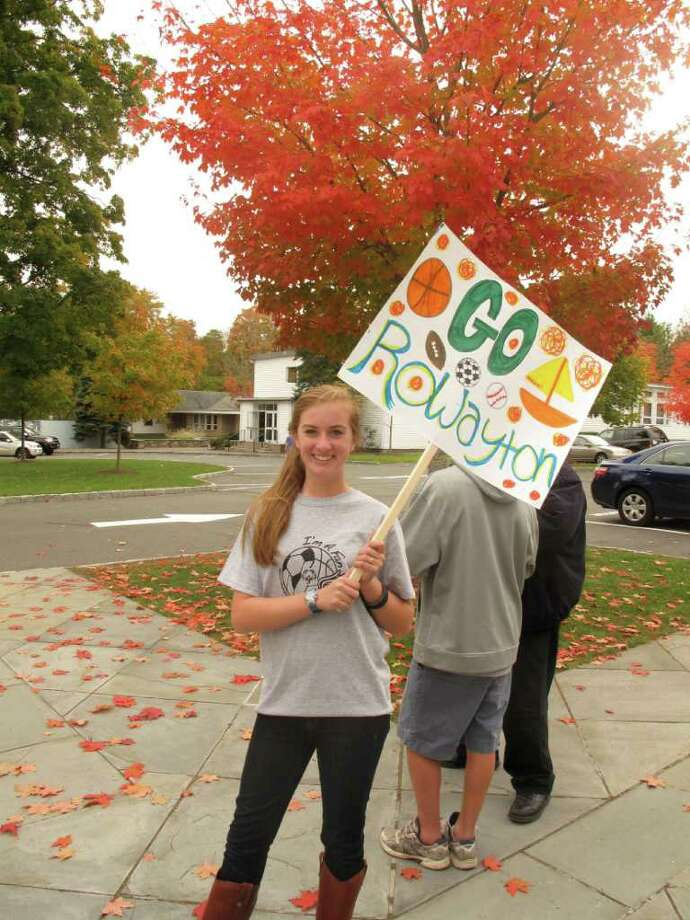 Sara Norton, a ninth grade at New Canaan Country Day, shows her support for the Rowayton kids Photo: Paresh Jha Contributed Photo, Contributed Photo / New Canaan News