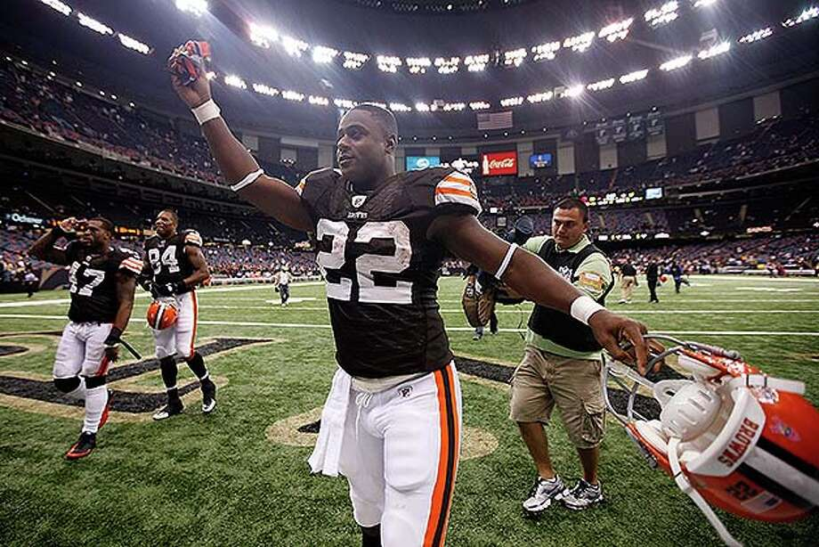 NEW ORLEANS - OCTOBER 24:  Mike Bell #22 of the Cleveland Browns celebrates after defeating the New Orleans Saints 30-17 at the Louisiana Superdome on October 24, 2010 in New Orleans, Louisiana.  (Photo by Chris Graythen/Getty Images) *** Local Caption *** Mike Bell
