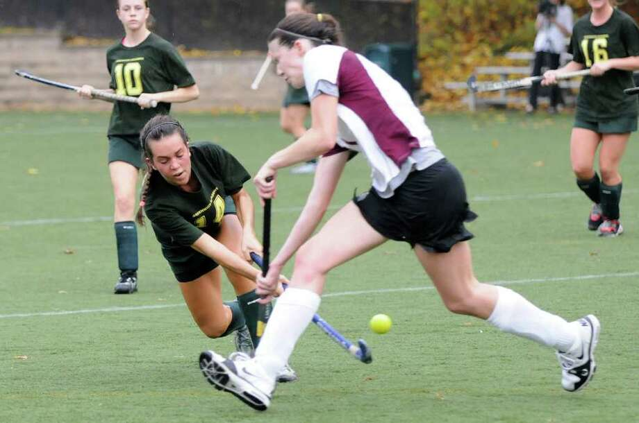 Gracie Fullerton connects as Greenwich Academy hosts Loomis Chaffee School in field hockey in Greenwich, CT on Wednesday, October 27, 2010. Photo: Shelley Cryan / Shelley Cryan freelance; Greenwich Time Freelance