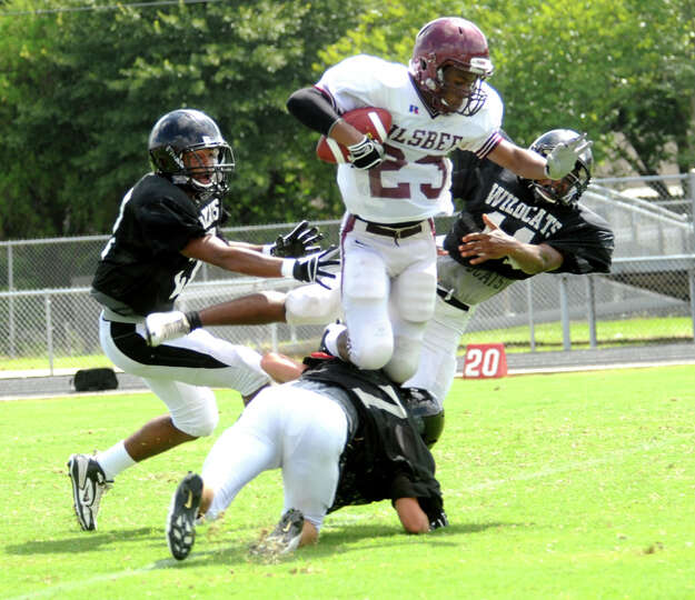 Kirbyville and Silsbee play a scrimmage at Kirbyville High School, Saturday. Tammy McKinley/The Ente