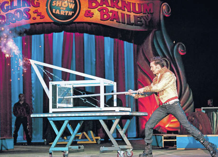 The Illuscinator David DaVinci performs 'The Squisher.' Photo courtesy of Feld Entertainment.