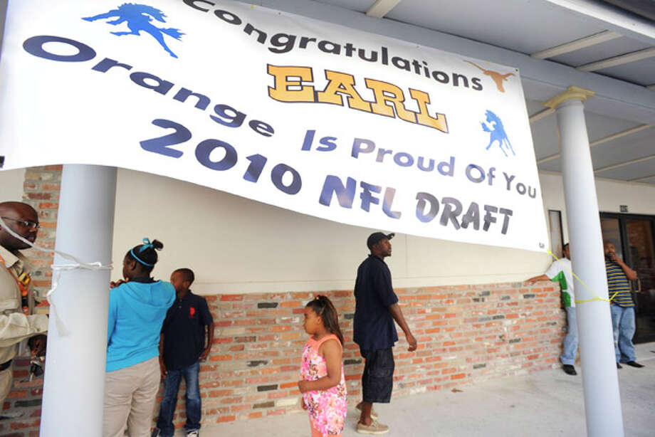 Friends, family, and community members gather at the Sixth Street Community Church in Orange to support Earl Thomas during the first round of the 2010 NFL draft.  Thursday, April 22,  2010.   Valentino Mauricio/The Enterprise