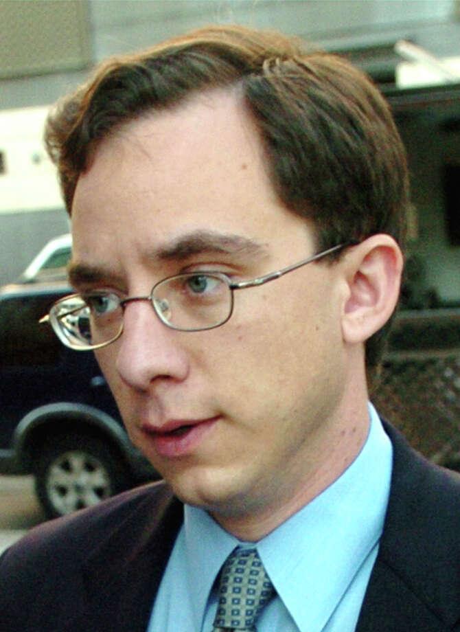 Jonathon Edington enters the Superior Court in Bridgeport, Conn. Oct. 10th, 2006. Photo: Brian A. Pounds / Connecticut Post