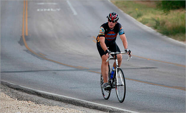 Mark Noblitt is training for the Bike MS: Valero 2010 Alamo Ride to the River.