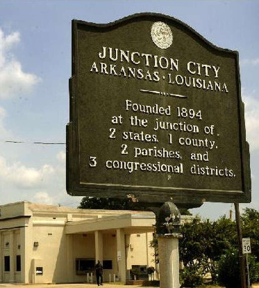 This sign tells you exactly how Junction, City, Ark. ? home of Spurs rookie James Anderson and with less than 700 residents ? got its name.