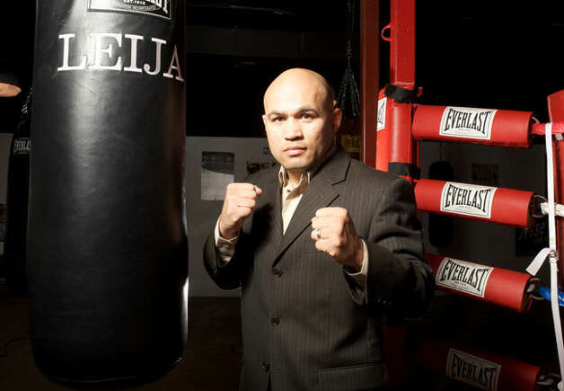 Jesse James Leija at his Champion Fit Gym back in 2009. / SAN ANTONIO EXPRESS NEWS