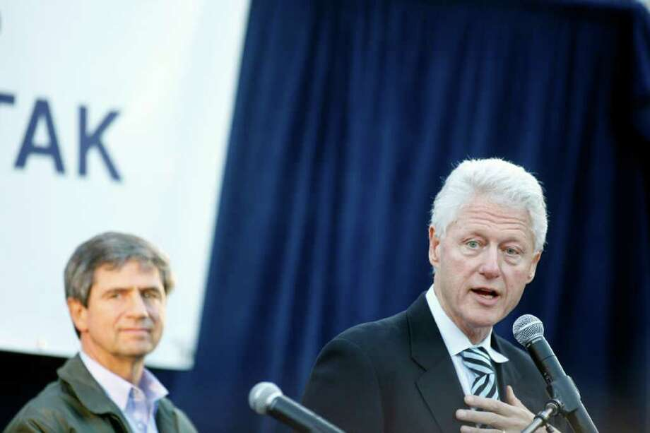 Former President Bill Clinton will visit Saratoga Springs early Monday to aid the campaign of Rep. Scott Murphy. Tickets are needed. Photo: Jessica Kourkounis / 2010 Getty Images