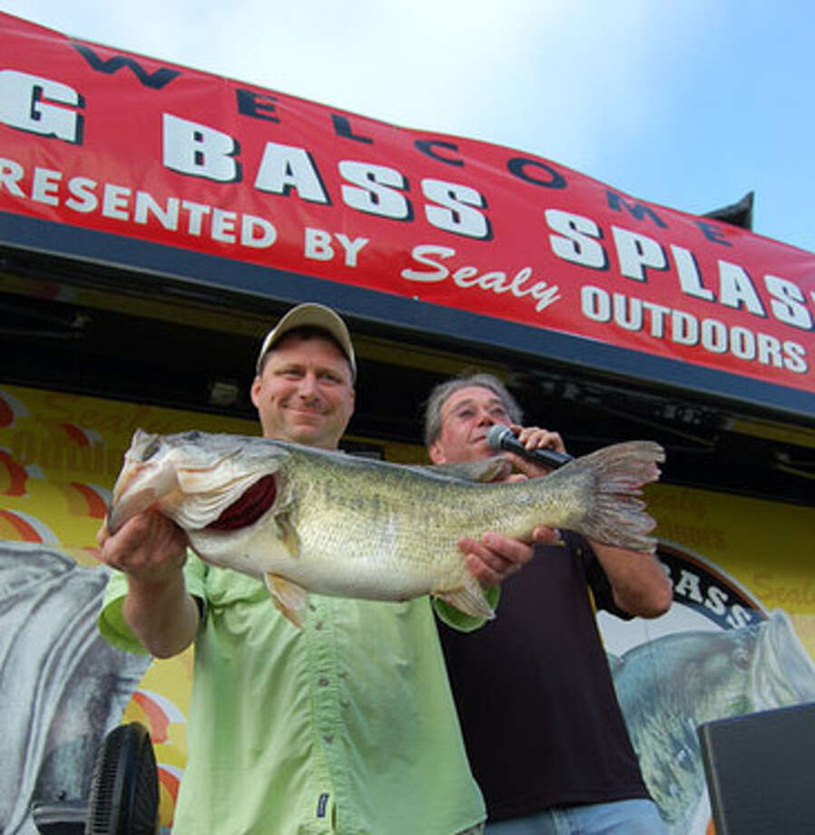 George Clay is the Day 2 leader at the McDonald's Big Bass Splash at Toledo Bend.