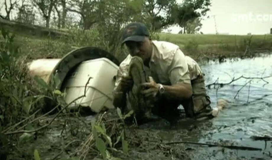Video still from CMT's 'Gator 911.'