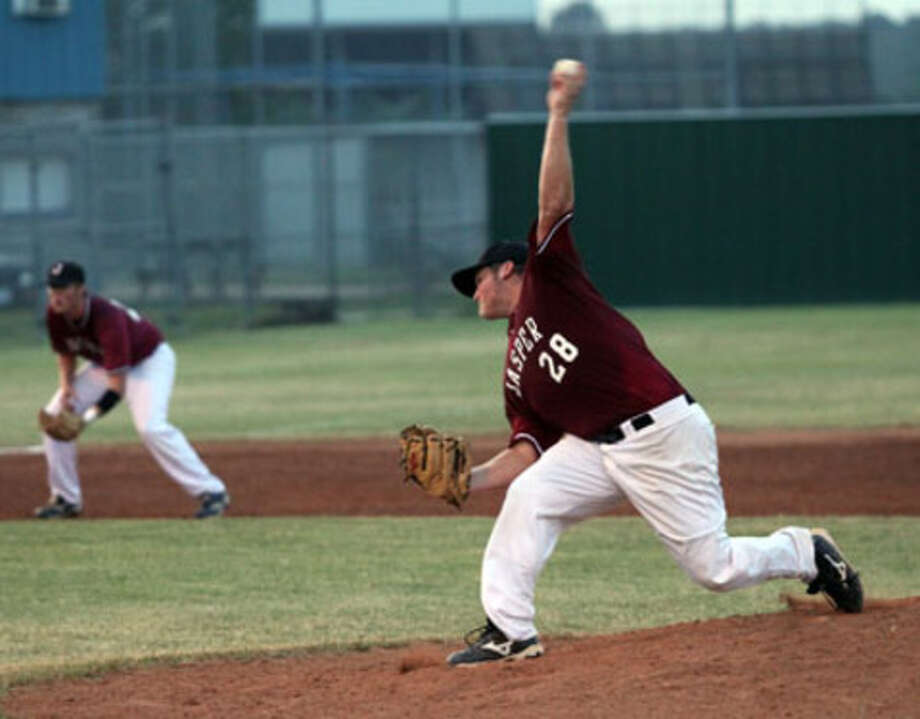 Jasper's Derek Sowell fires a pitch home. Sowell struggled with his control during Wednesday's contest with Lufkin Hudson as the Bulldogs prevailed 13-7 to take the first game of the series.