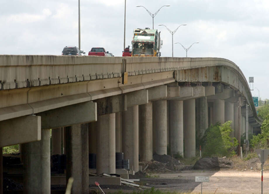 TxDOT will begin construction of a new bridge on Interstate 10 over the Neches River in the summer or fall of 2012. Pete Churton/The Enterprise / Beaumont