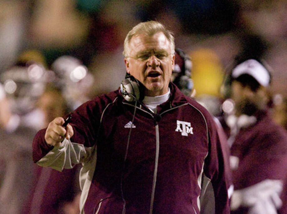 Texas A&M head coach Mike Sherman yells at an official in the fourth quarter of his Advocare 100 Independence Bowl game against Georgia Monday, Dec. 28, 2009, in Independance Stadium in Shreveport. ( Nick de la Torre / Chronicle ) / © 2009 Houston Chronicle