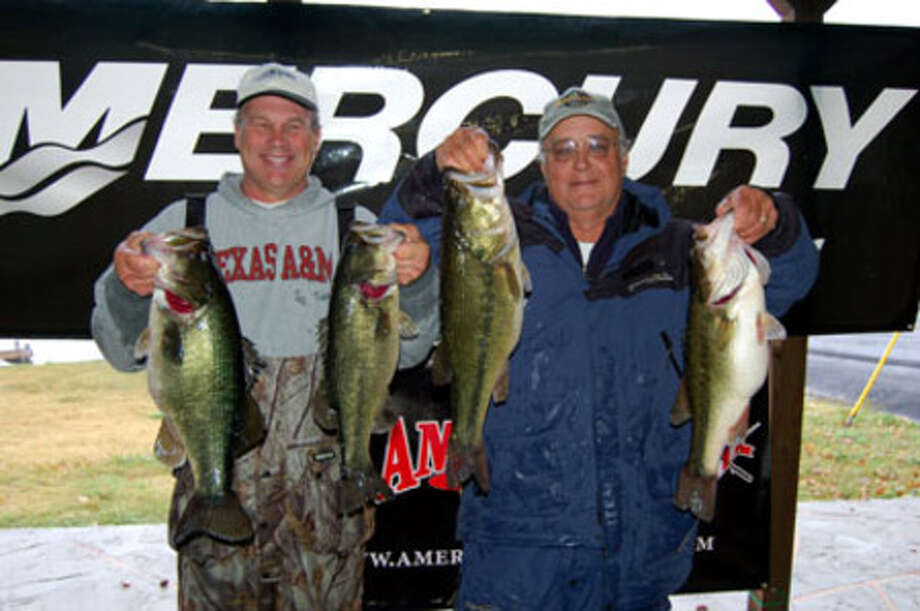 There were a lot of heavy stringers brought in, but Ronnie Bland and Johnny Franks topped them all with a 29.29 lb limit