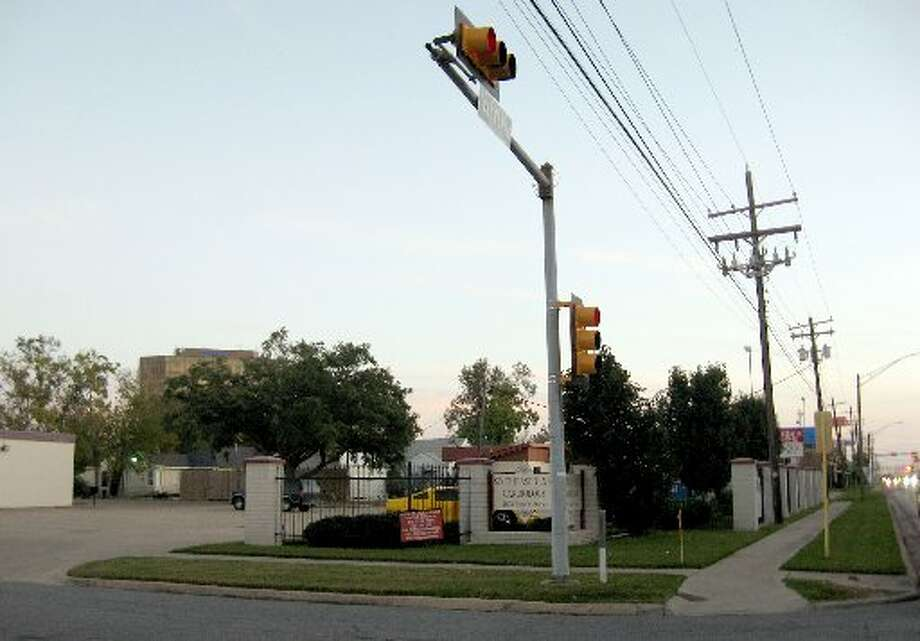 Beaumont City Council will vote today on whether to override the planning commission?s recommendation to deny a zoning change for the construction of a Jack in the Box restaurant on this property at the corner of 11th and North streets. Enterprise file photo