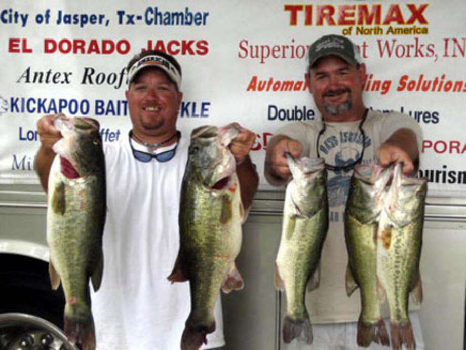 Chris DiBerardino and Larry Cotten win 1st place with 26.06 lbs!