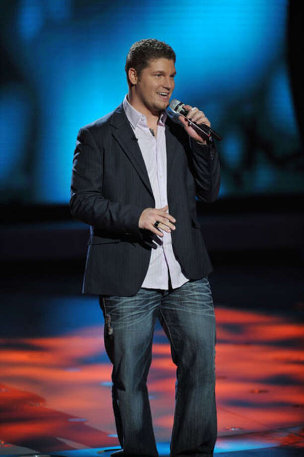 Michael Sarver performs in front of the judges on American Idol on Fox.