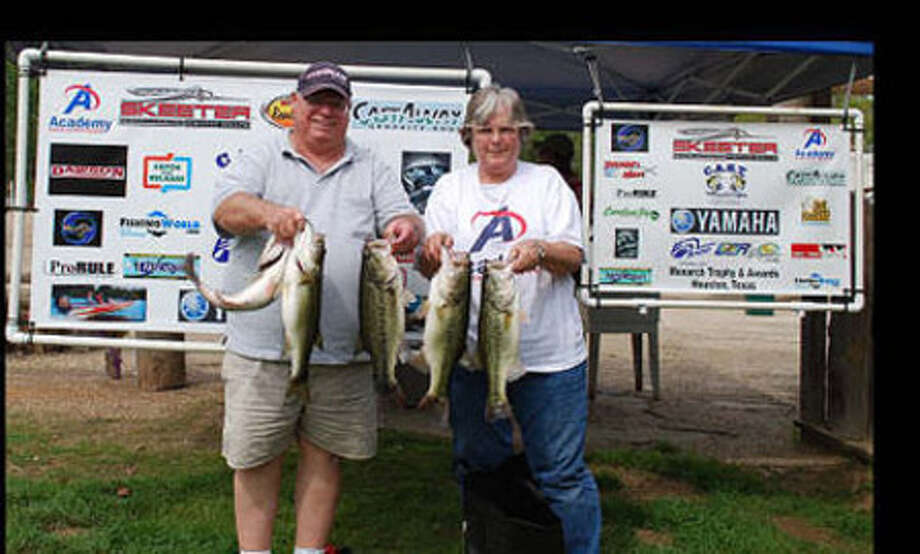 """Johnny and Opal Ellender find the """"key"""" to """"unlock"""" the win with 18.18 lbs!"""