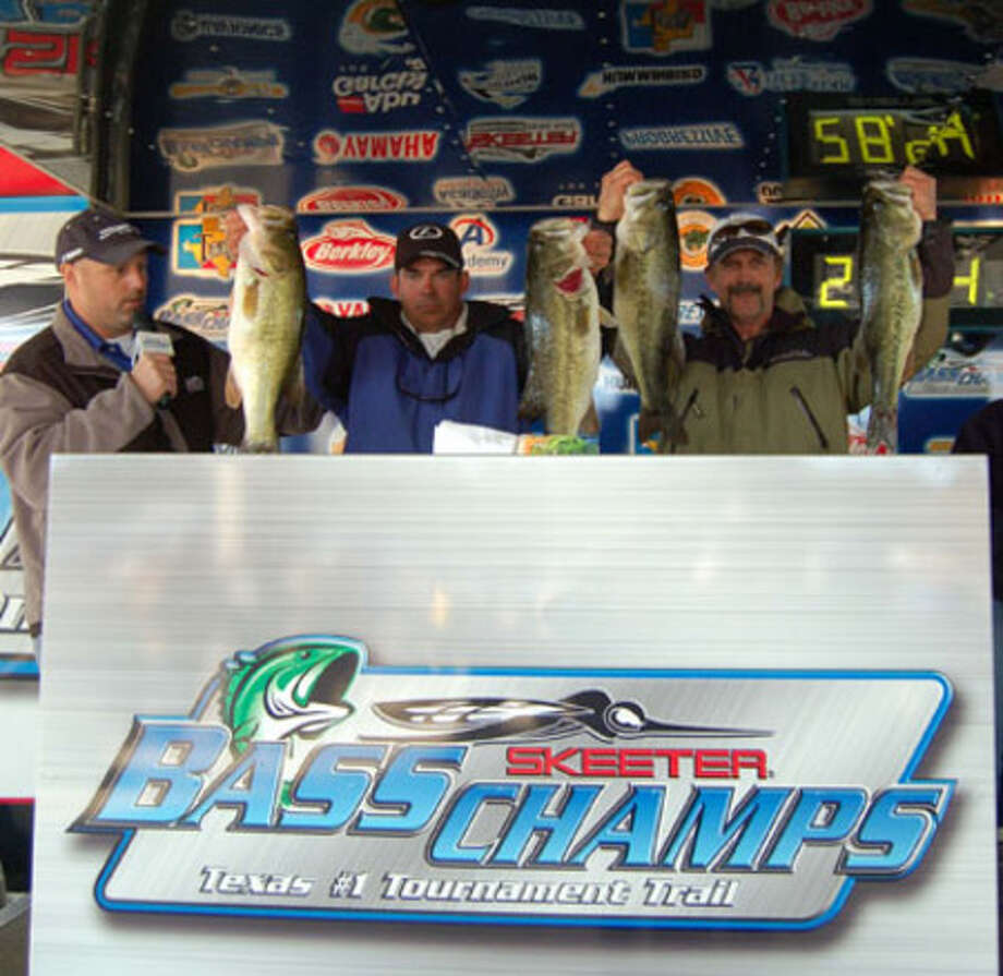 Kirk LeLeux & Terry Dewitt heave the best four of their $20,000 1st place five bass limit