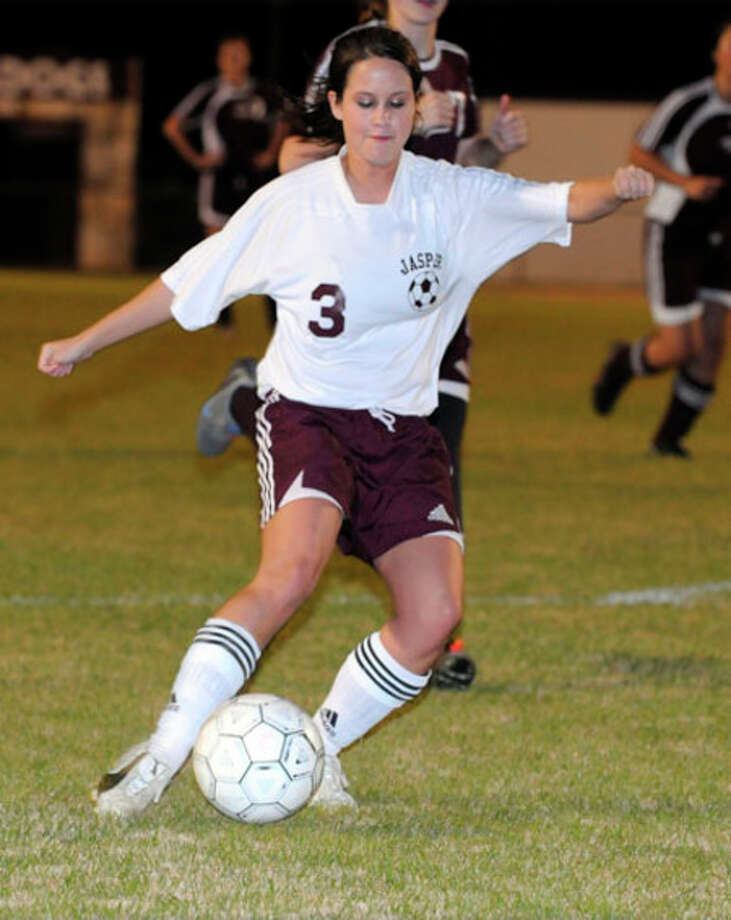 Jasper?s Caroline Kipp dribbles the ball up the field during Jasper?s 7-0 blanking of Hudson.