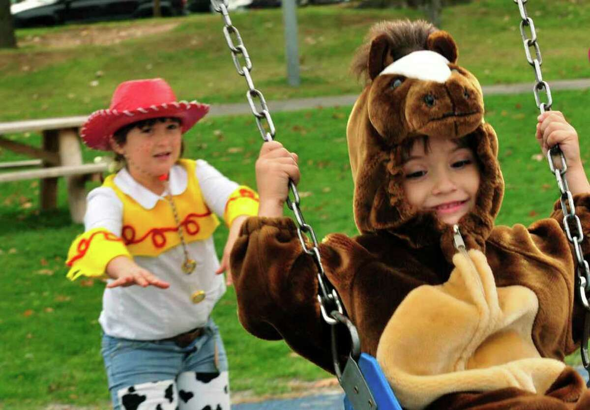 Halloween at The Crossings , October 26, The Crossings of Colonie. Click for details.