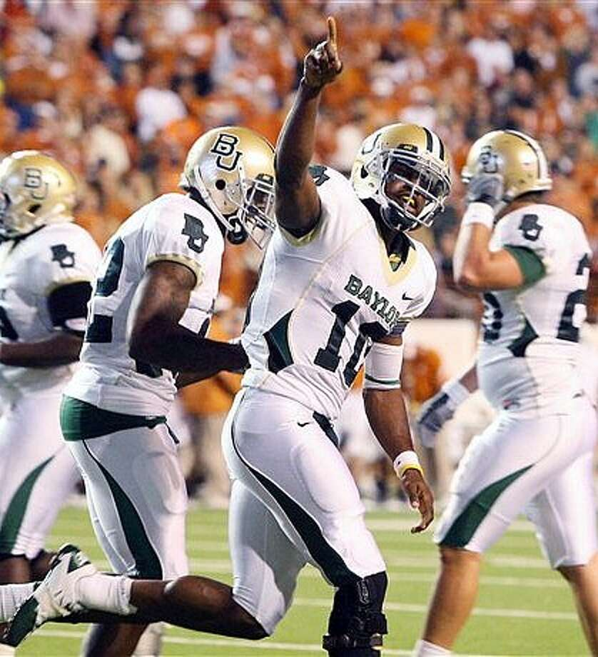 Baylor quarterback Robert Griffin celebrates his second-half touchdown against Texas.