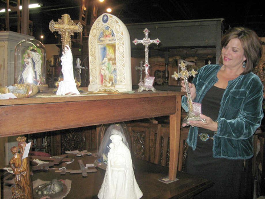Best Antiques:Burns Antik Haus2195 Calder Avenue, Beaumont(409) 835-3080
