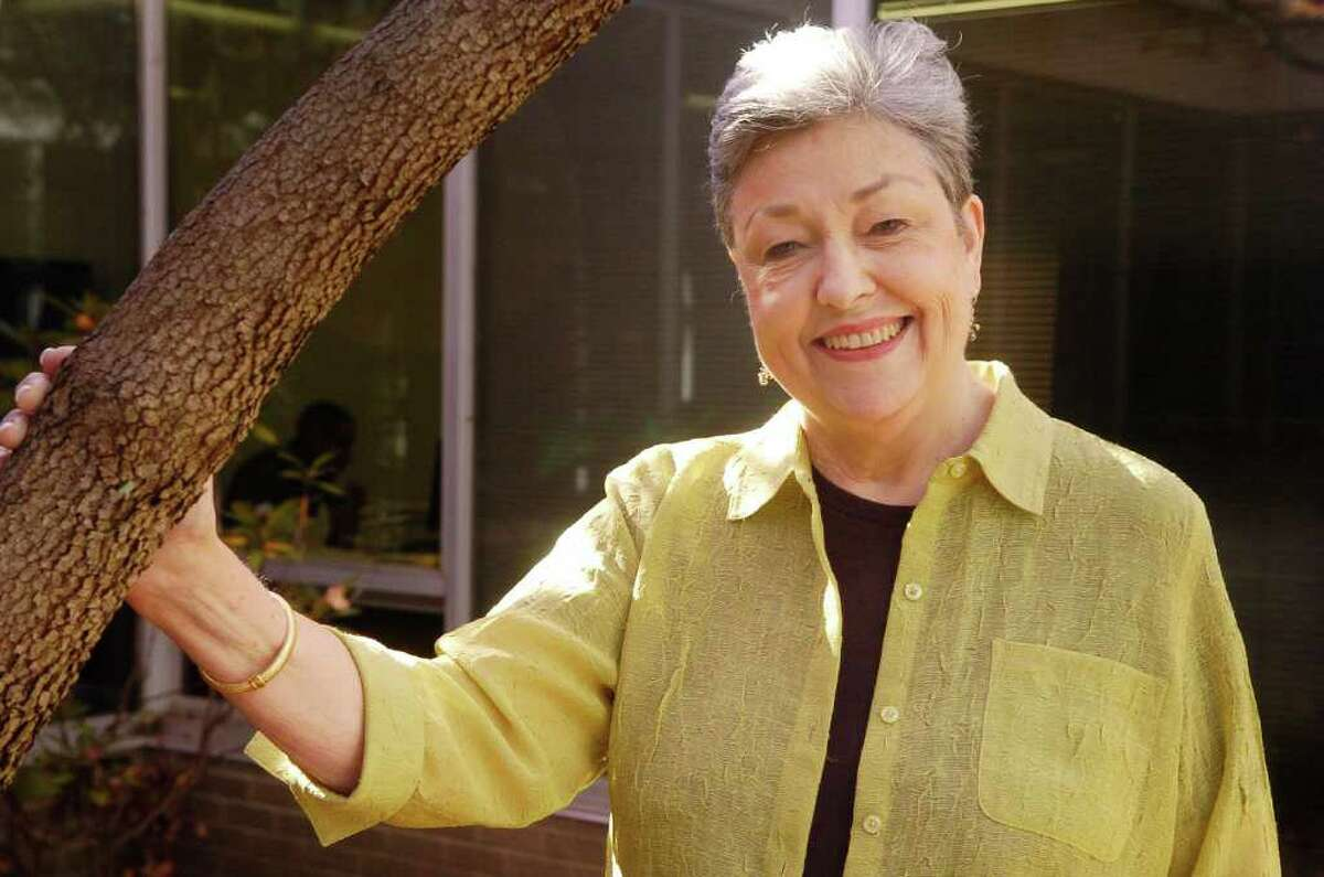 Roberta Eichler is retiring as executive director of the Volunteer Center in stamford, Conn. after over 20 years there.