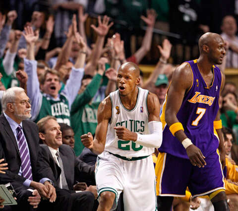 2ddc1223a Boston s Ray Allen celebrates in front of Los Angeles  Lamar Odom and Lakers