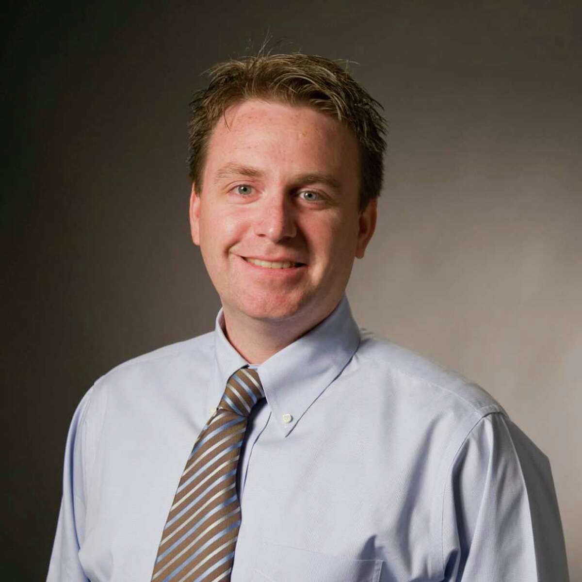 Alex Wren is branch manager of Scottrade's 220th location, which opened at at One Stamford Plaza in December 2004 and moved Monday to Landmark Square in Stamford.