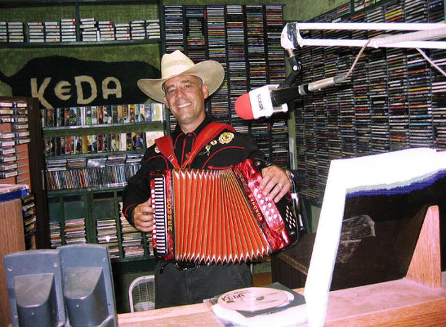 Latin Notes: Conjunto spinner Weber plays a mean accordion