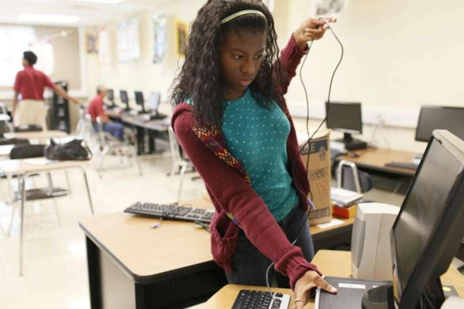Teens snap up school district internships - San Antonio