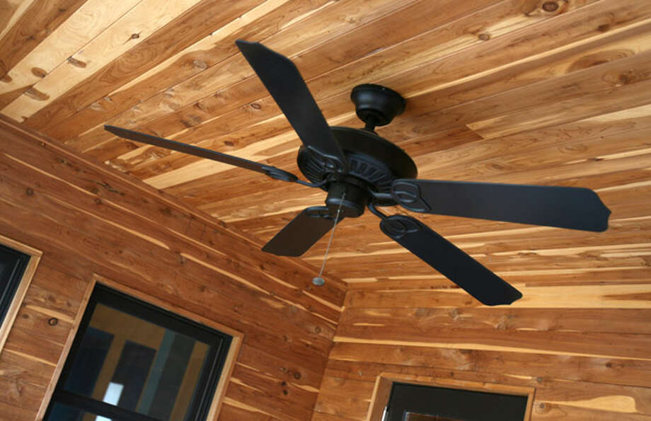 You don't have to go to the tropics to realize the benefits ? or create the ambiance ? of ceiling fans. They can provide an energy-efficient supplement to air conditioning during these hot summer months.