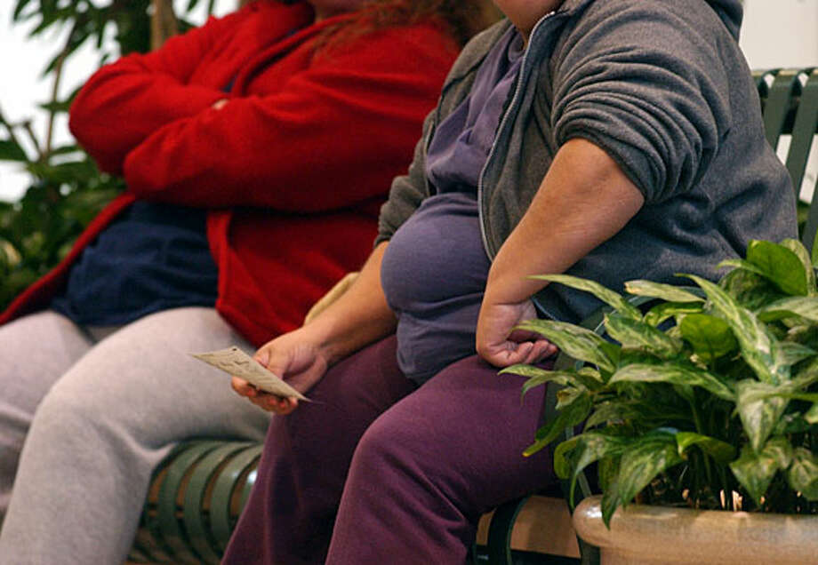 No. 2 in fattest U.S. citiesThe survey shows more than 31 percent of San Antonians are obese, only a little less than a percentage point behind Memphis for the worst in the country among communities with more than a million people. The average obesity rate for the more than 50 metropolitan areas is nearly 26 percent.