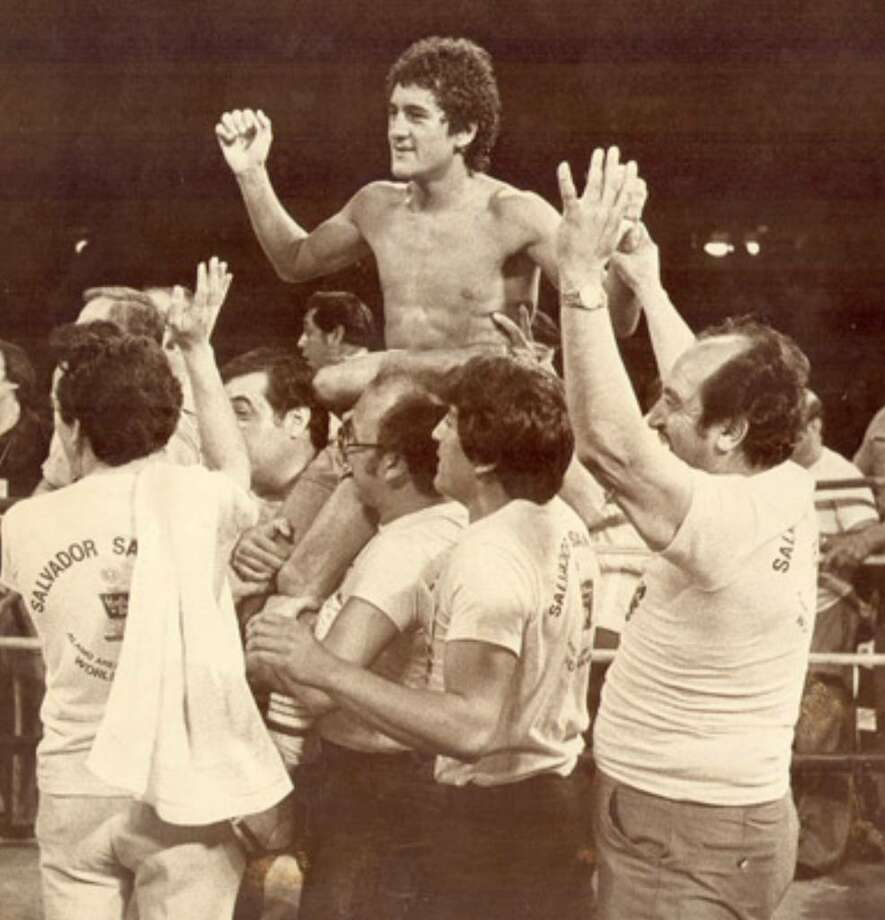 Salvador Sanchez celebrates after beating Patrick Ford in a featherweight championship fight in 1980 in San Antonio.