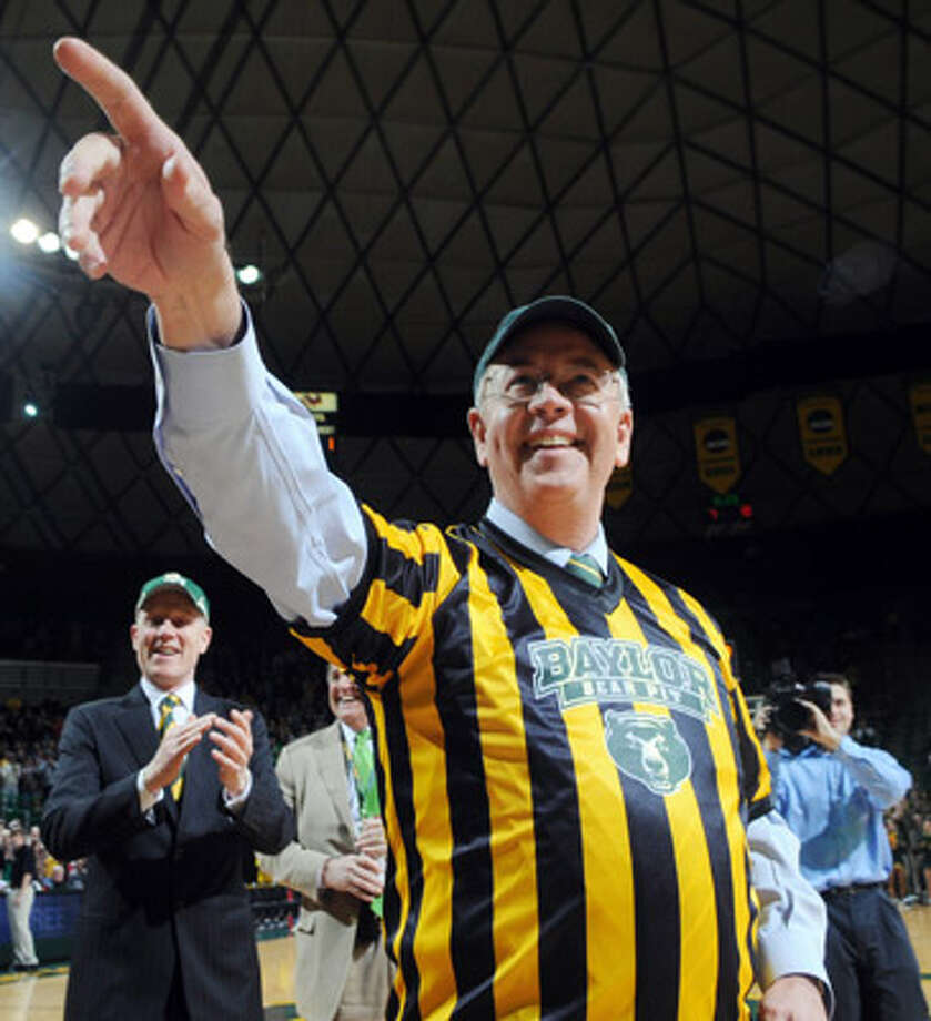 Kenneth Starr is Baylor's president.