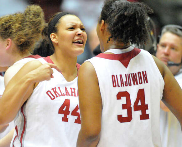 Oklahoma center Lyndsey Cloman (left), a freshman from Taft, Abi Olajuwon and the third-seeded Sooners are getting ready to face South Dakota State in Norman, Okla., on Sunday in the first round of the NCAA tournament.
