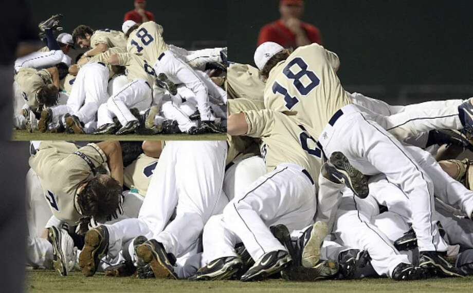 The O'Connor baseball team reacts to winning the District 28-5A championship title against Stevens on Friday.