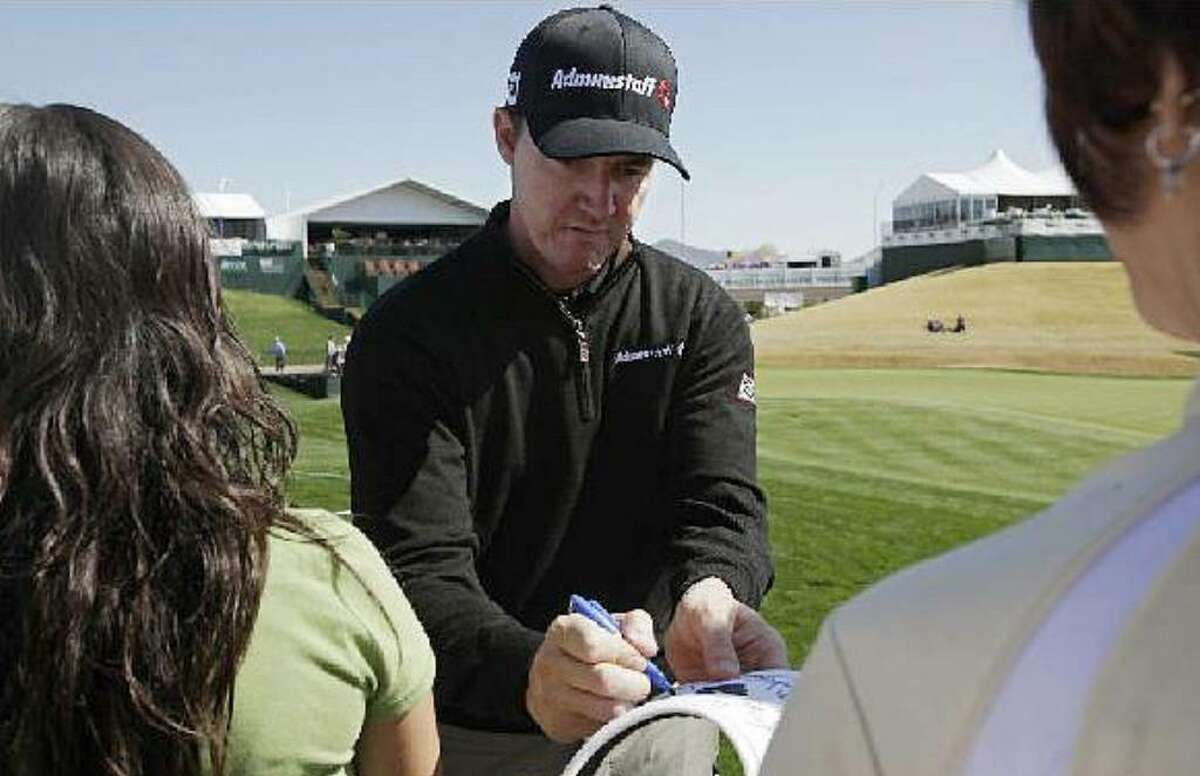 Jimmy Walker, signing autographs after a practice round at the Phoenix Open in February, has an unruly driver and a pregnant wife on his mind.