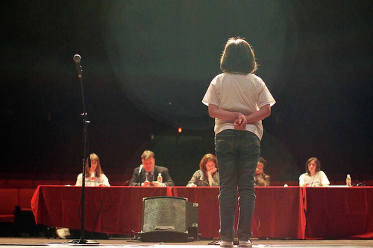 A contestant competes in the final round.