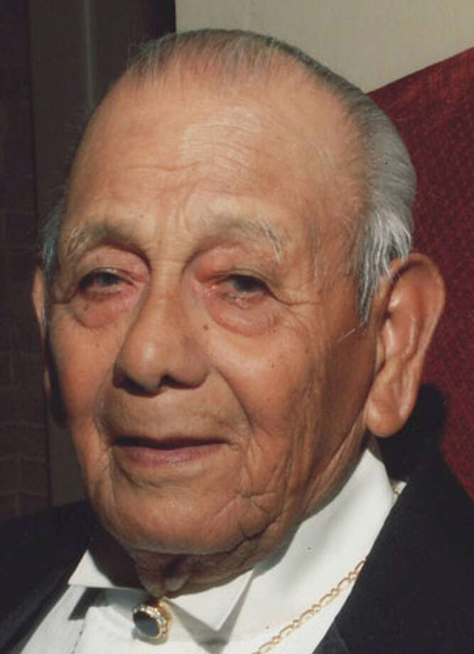 Jose Henry Graciano Sr.: His home reflected his patriotism.