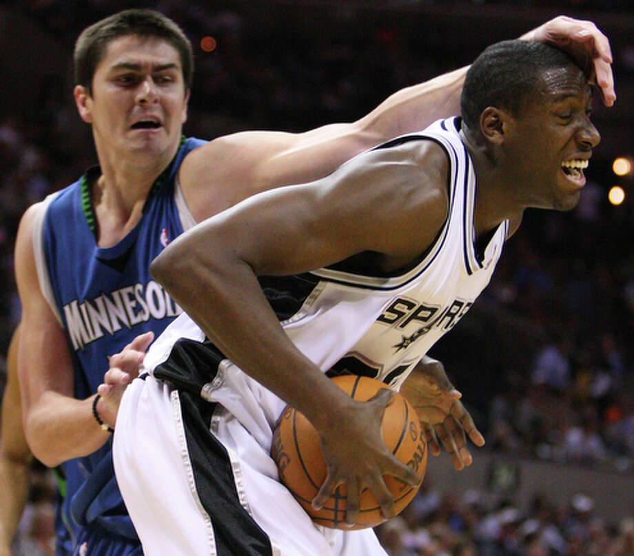 Ian Mahinmi, played for Spurs 2007-08 and 2009-10; averaged 3.8 points, 1.8 rebounds. / © 2010 SAN ANTONIO EXPRESS-NEWS